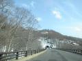 雪が少なめの月山道