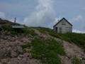 山頂小屋と御所山神社