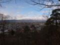 若木山山頂から駐屯地方面を見るの図