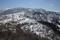 縦走路途上から見る笹谷峠の図・早春