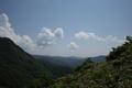 東に鍋越峠を見たところ