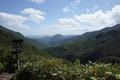 小東岳山頂下から見る三方倉山の図