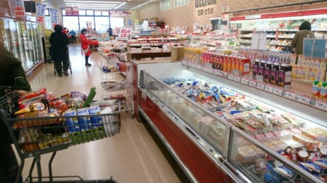 スーパー 冷凍食品 寒い