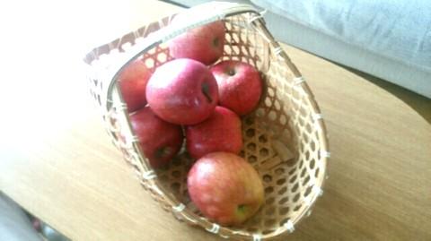 リンゴ バスケット かご