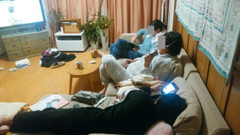 家族団らん テレビ