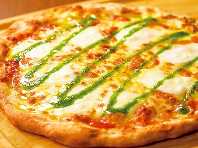 株主優待でピザ
