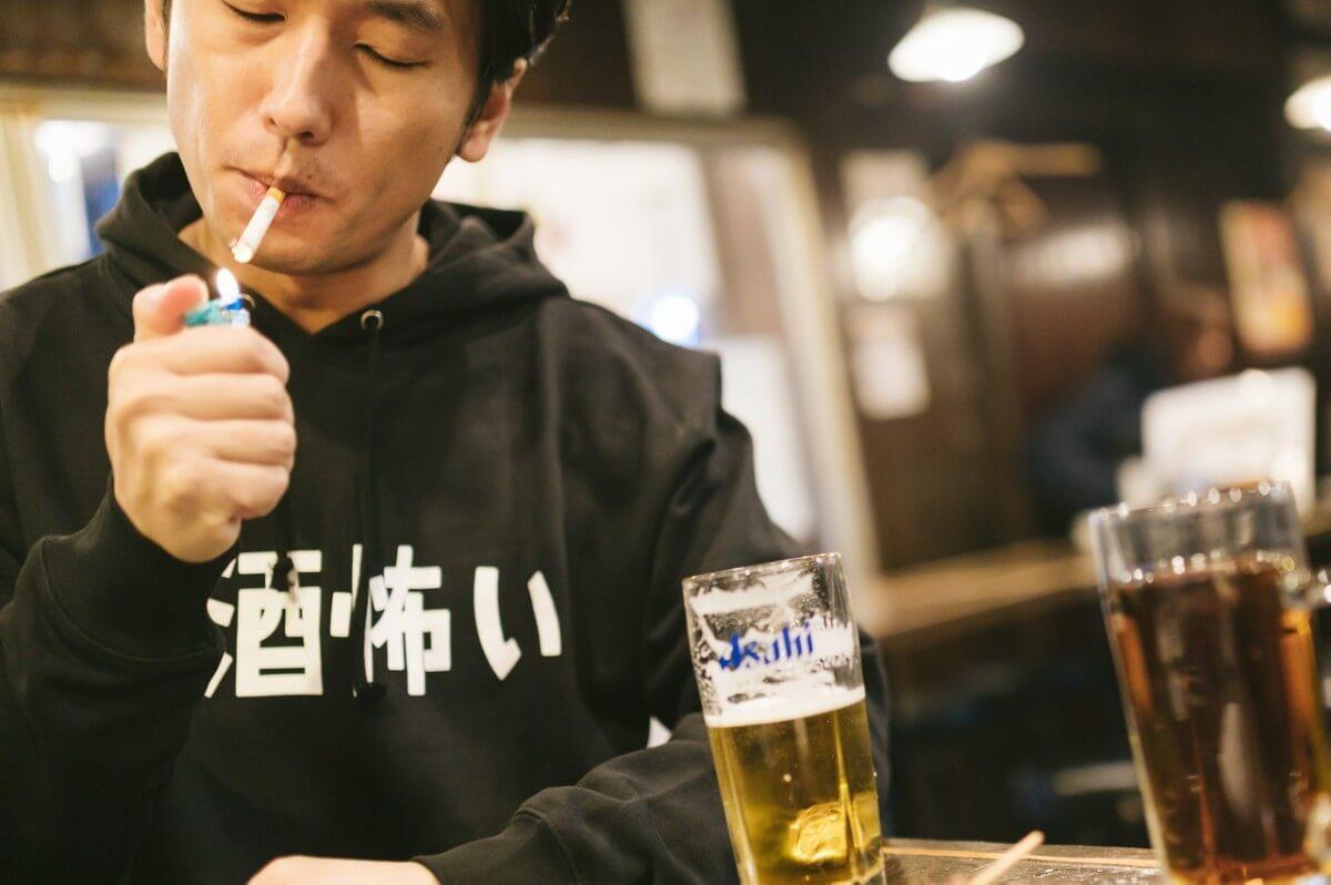 加齢臭が臭くなる原因タバコ