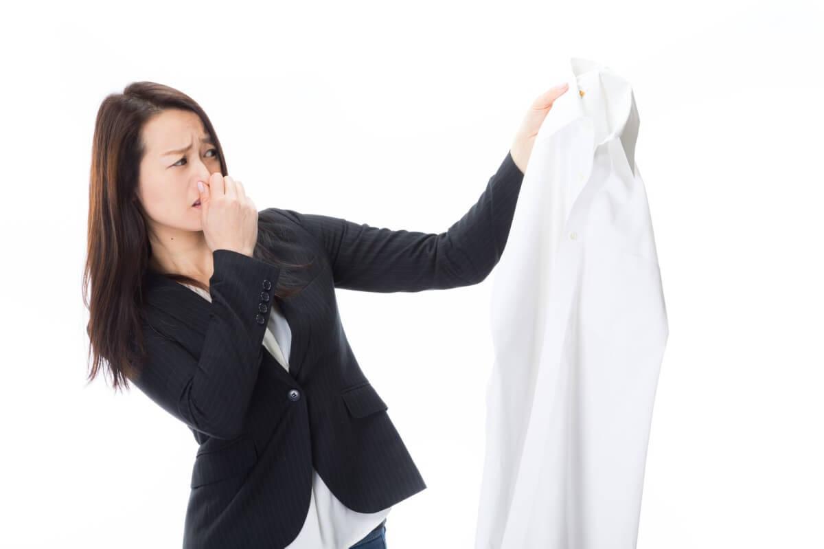 主婦の敵、残留加齢臭のシャツ