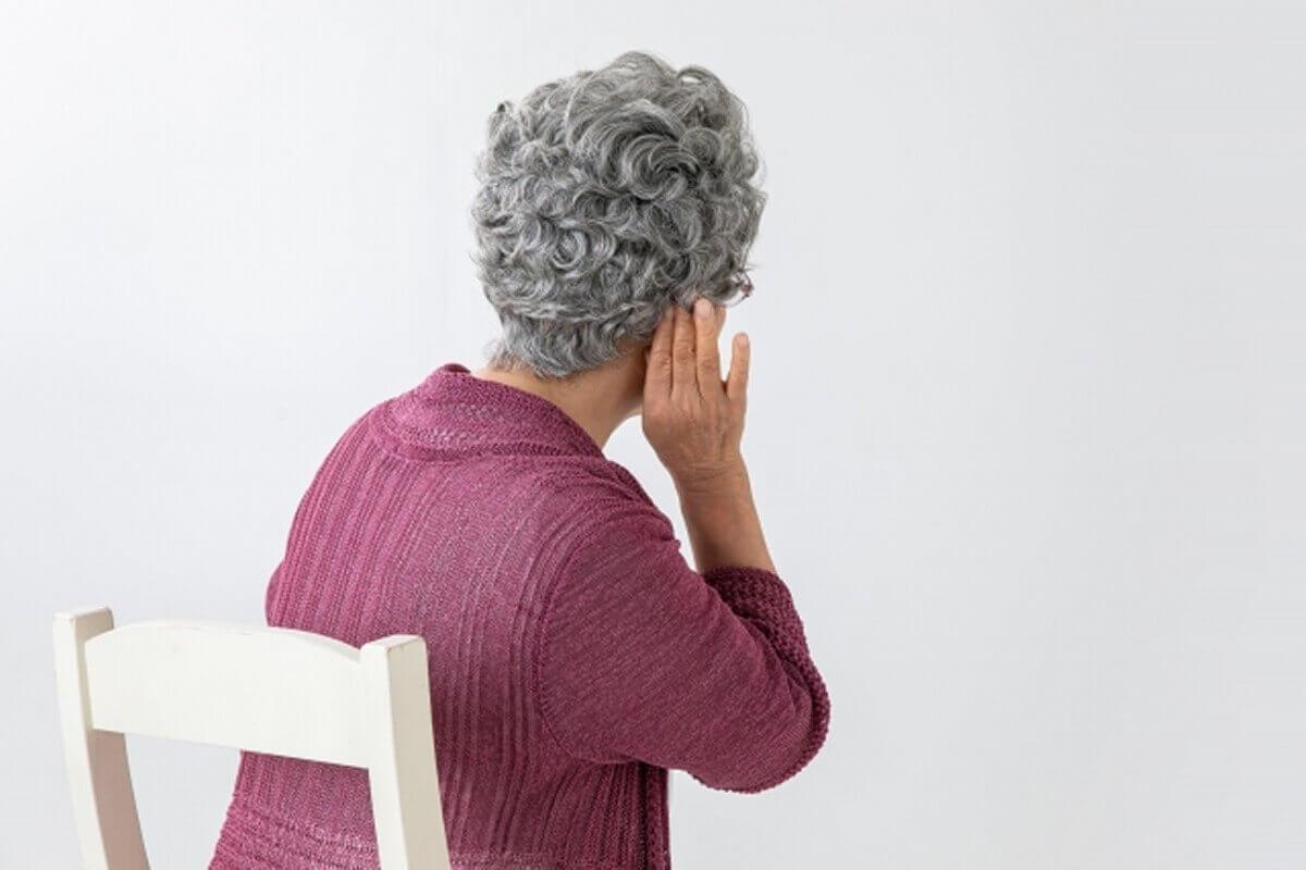 お年寄りでテレビが聞こえない方