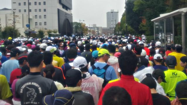 おかやまマラソン2016のスタート地点の様子