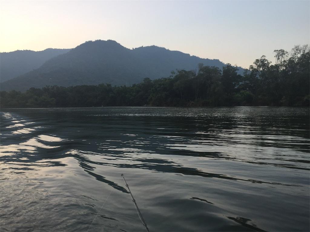 釣り開始時のボートからの風景