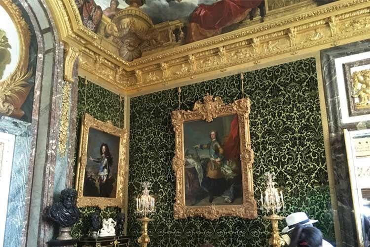 ヴェルサイユ宮殿の中