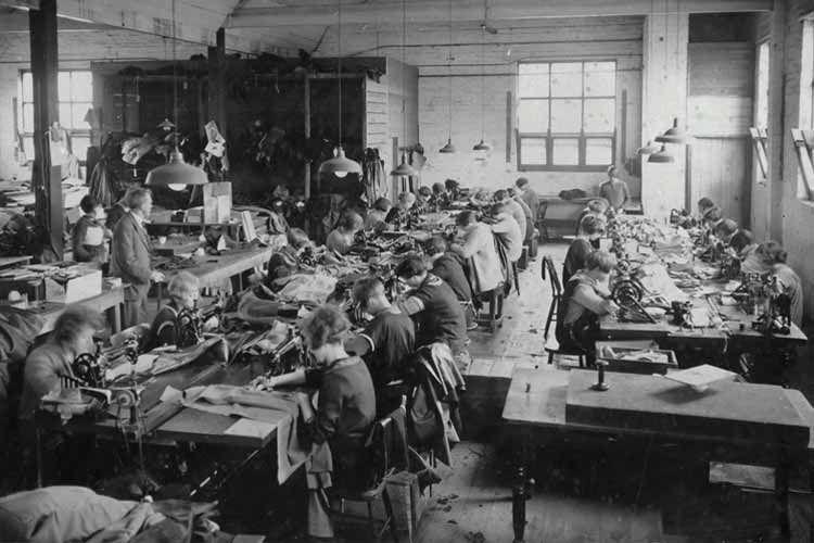 アパレル産業は縫製の産業