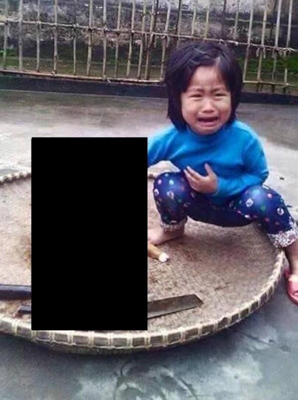 5歳の女児愛犬ベトナムの少女