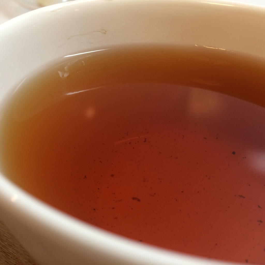 カスカラ 紅茶 色