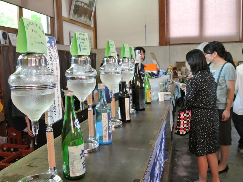 藤居本家さんの蔵開きでは15種類以上のお酒を試飲可能です