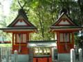 熊野速玉大社 左:手力男神社 右:八咫烏神社