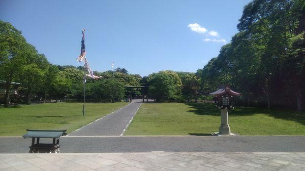 静岡県護国神社拝殿側から