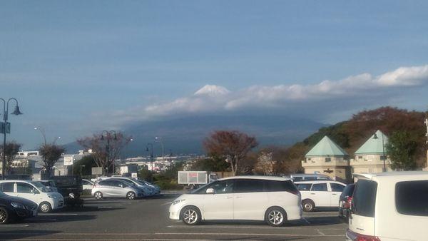 富士中央公園駐車場富士山