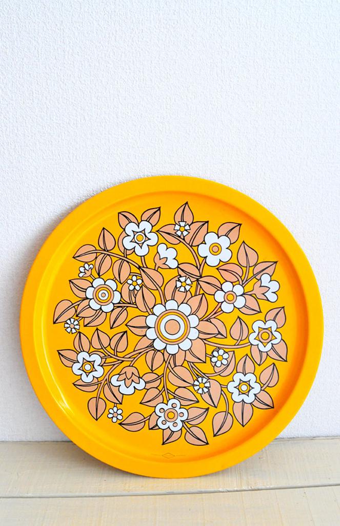 黄色のFleurette WILLOW Australiaのお盆