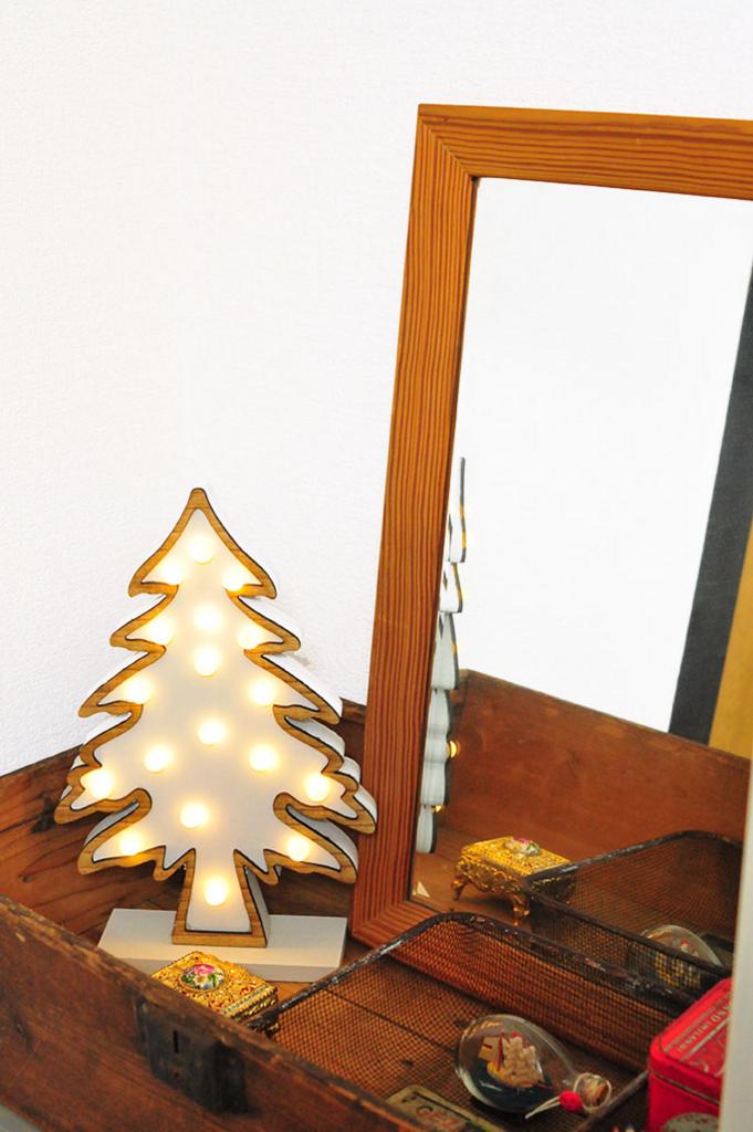 鏡の前に置いてドレッサー風に照明として使うもみの木ライト