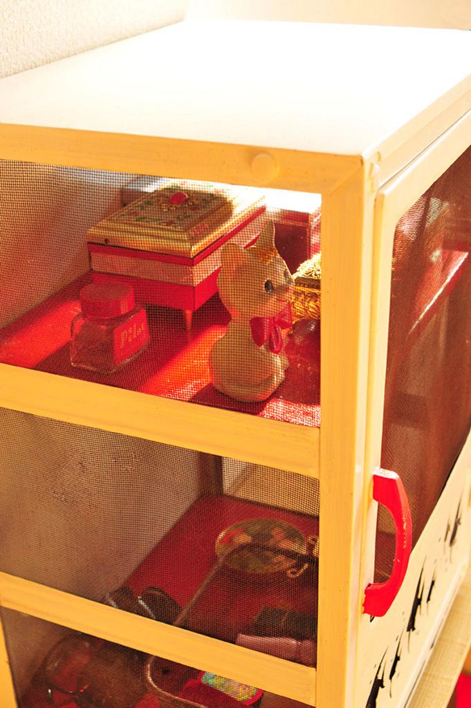 レトロメイク道具棚