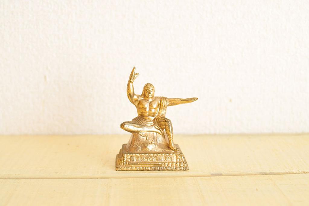 リサイクルショップで買った平和祈念像