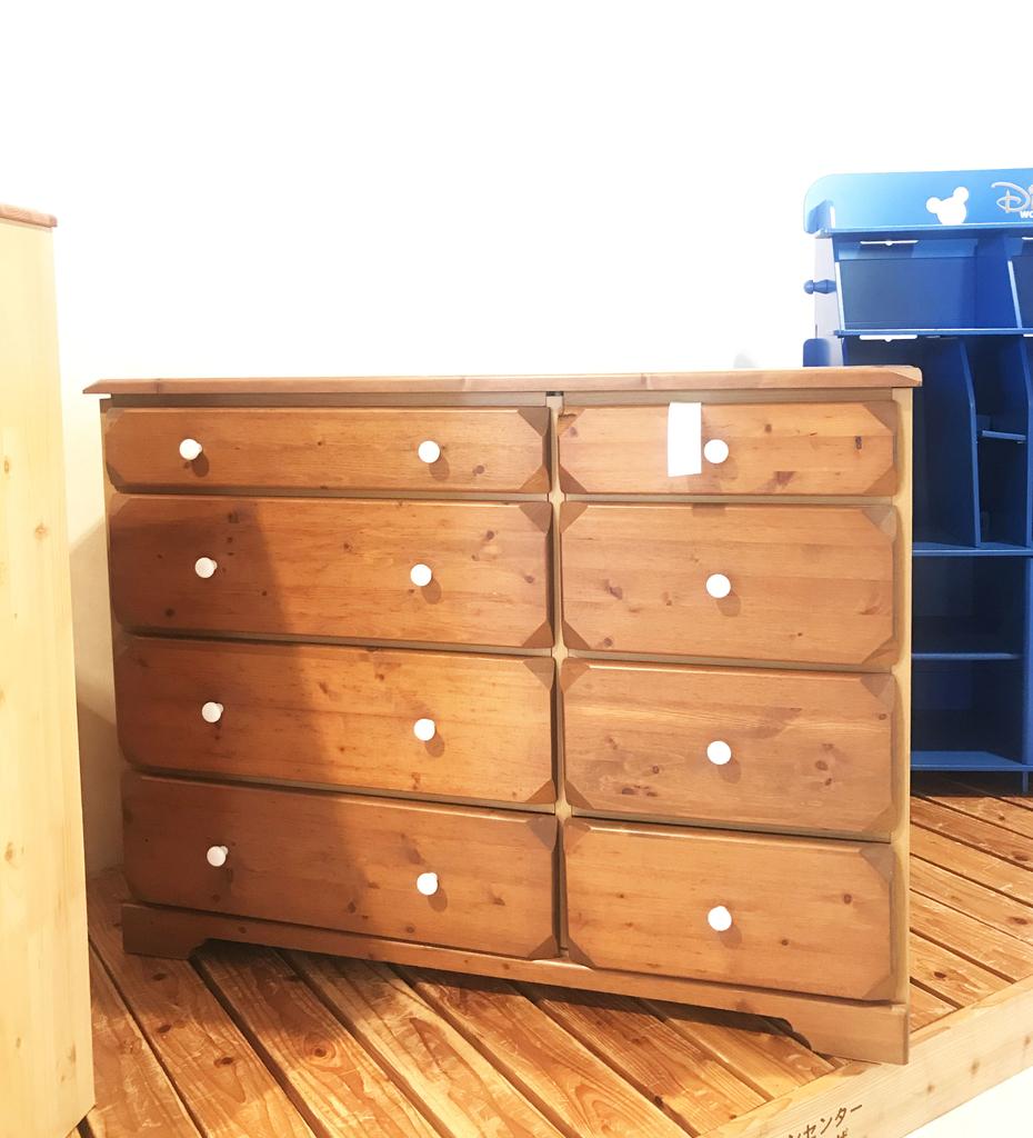 元ゴミであるリサイクル施設の無料家具おしゃれタンス