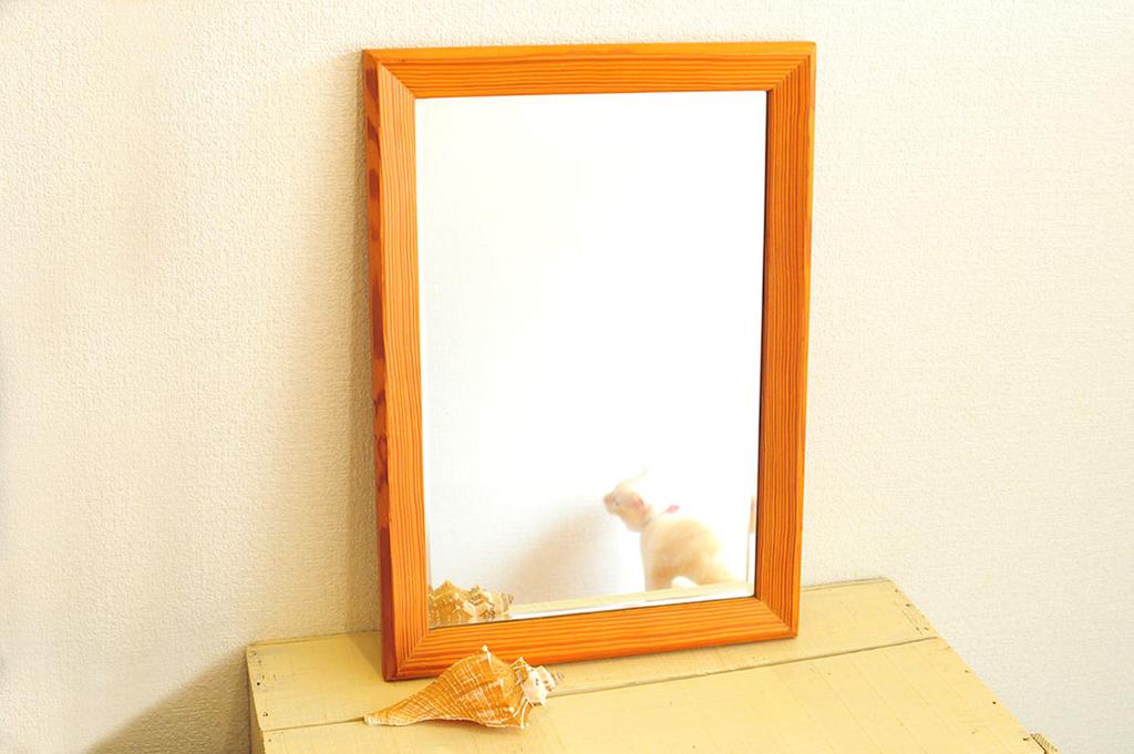 リサイクルショップで買った500円の木製の鏡