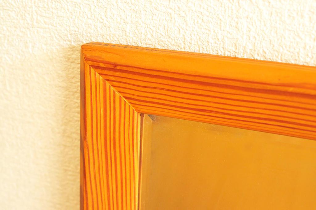 しっかりとした木製の500円の中古品の鏡の縁
