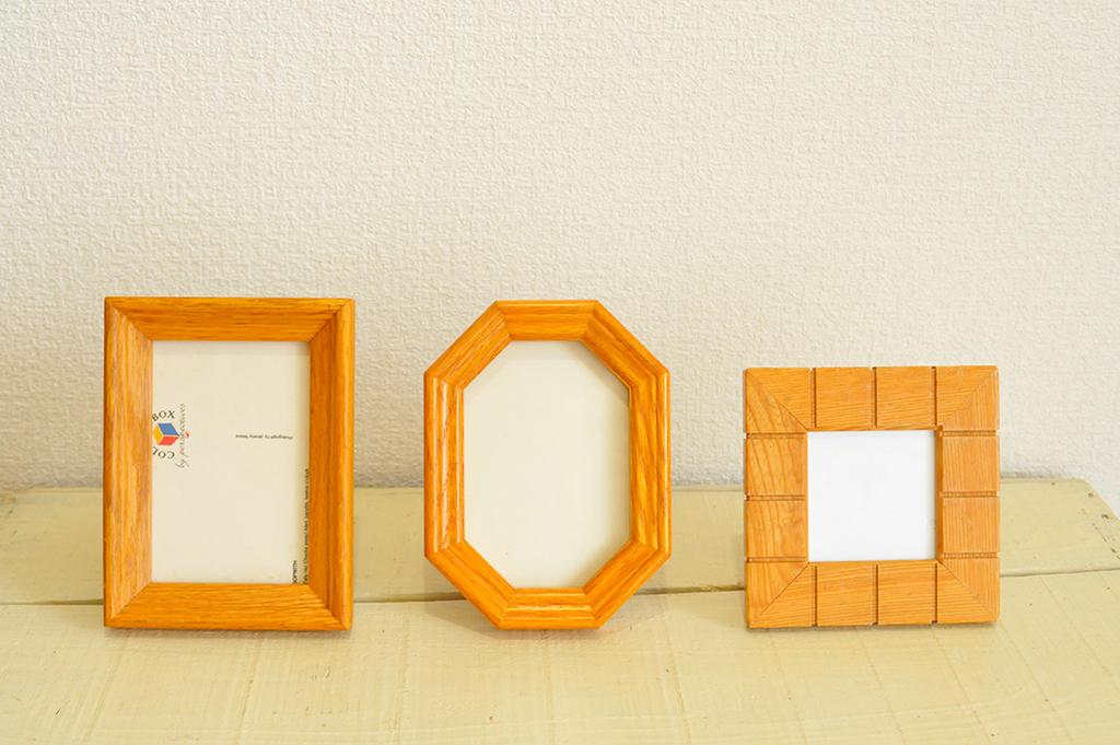 すべて中古品の木製フォトフレーム(長方形・八角形・正方形)3つ