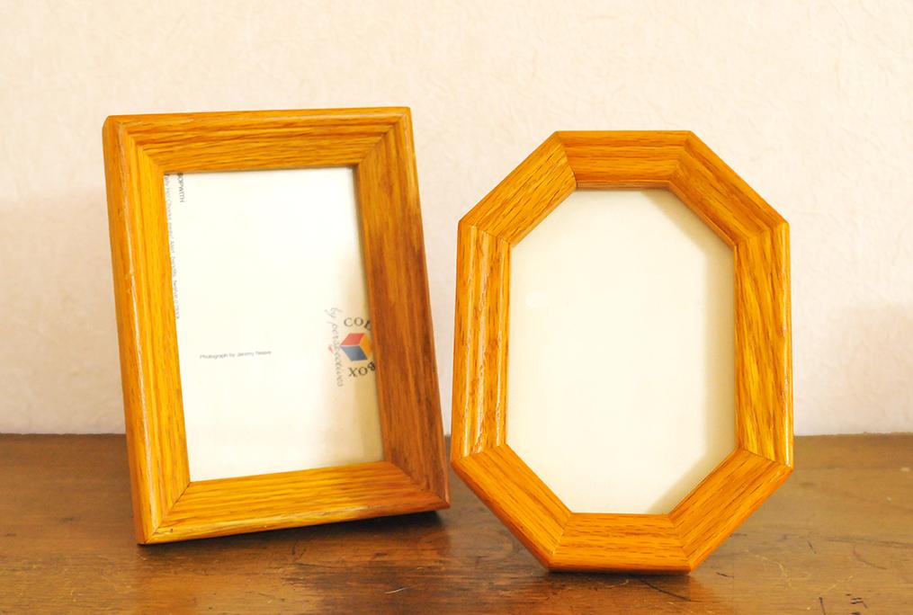 同じメーカーらしい長方形と八角形のフォトフレーム
