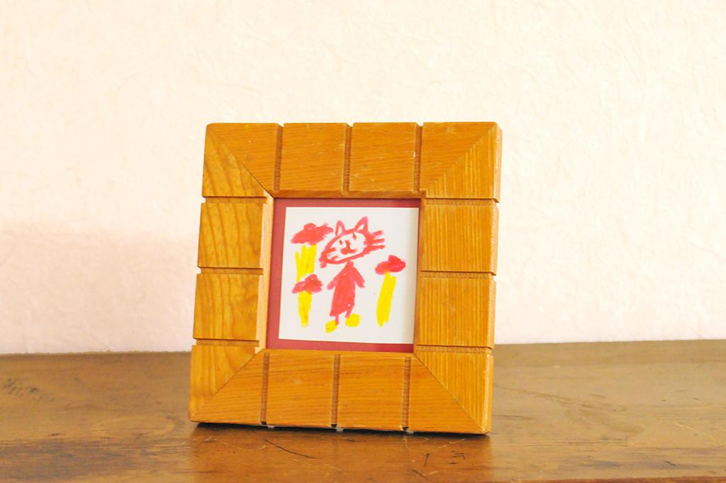 猫のイラストを入れた正方形の古物のフォトフレーム(額縁)