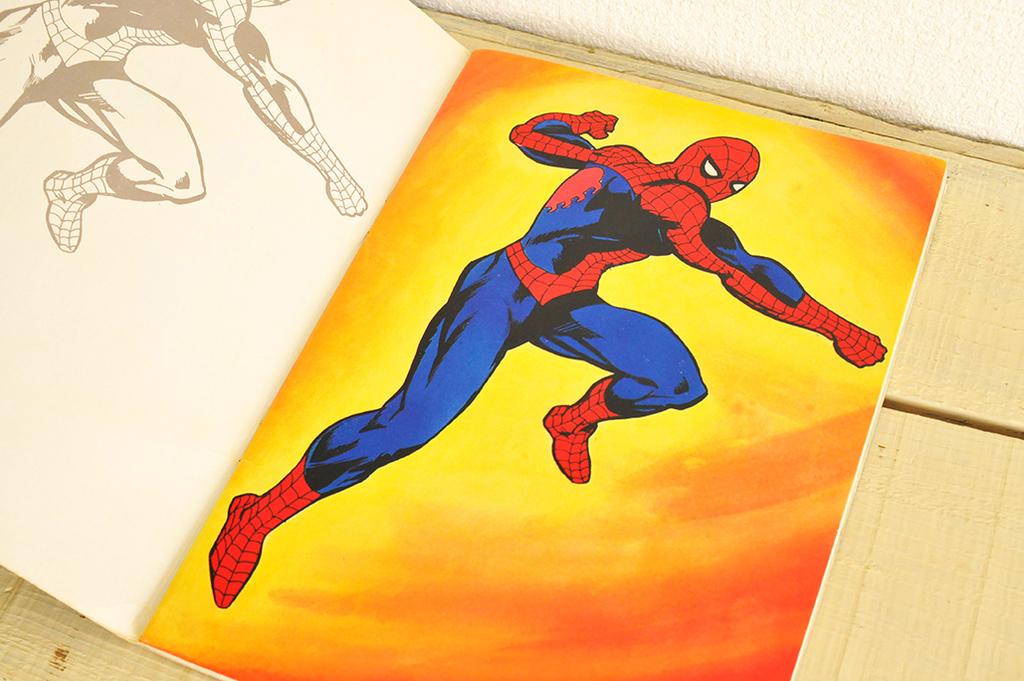(付録)オレンジカラーのレトロなスパイダーマンイラストのページ