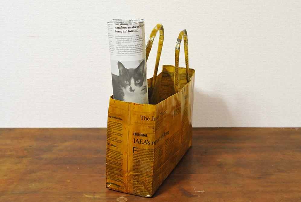 アレンジして作った手作り新聞トートバッグはオシャレ