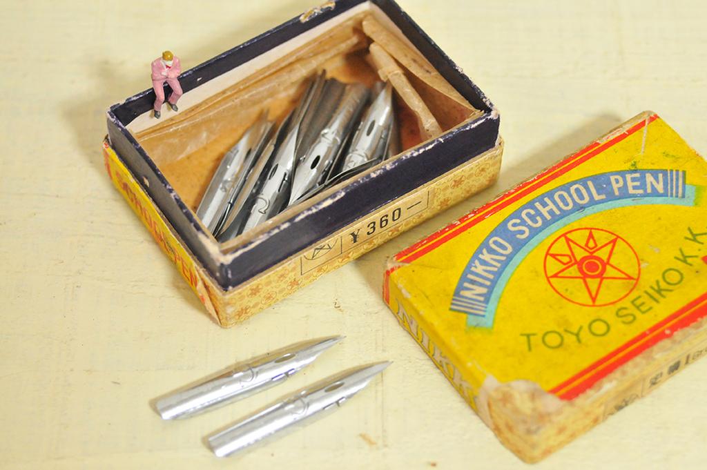 スクールペンのレトロ箱は中身も入って今では価値が高くなっている-ふるものせいかつ図鑑