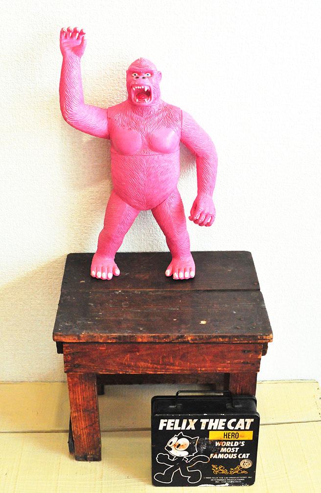 ピンクのキングコングとフェニックスのレトロ缶バッグ-ふるものせいかつ図鑑