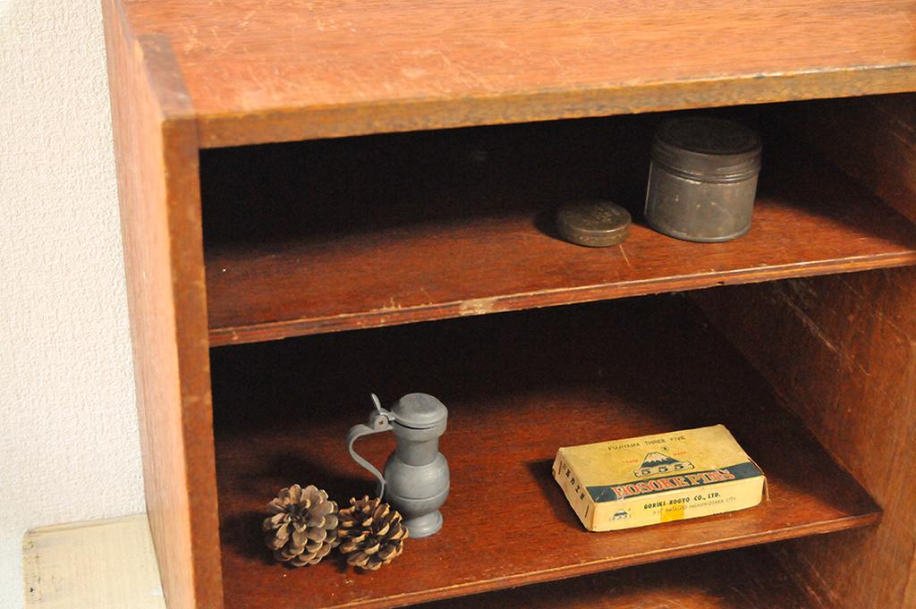 古道具の正方形の棚は使い勝手が良い-ふるものせいかつ図鑑