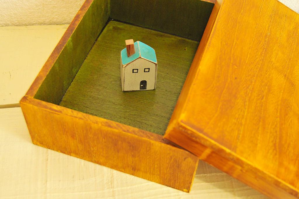 ダイソーの材料で作ったアンティーク風オリジナル箱-ふるものせいかつ図鑑