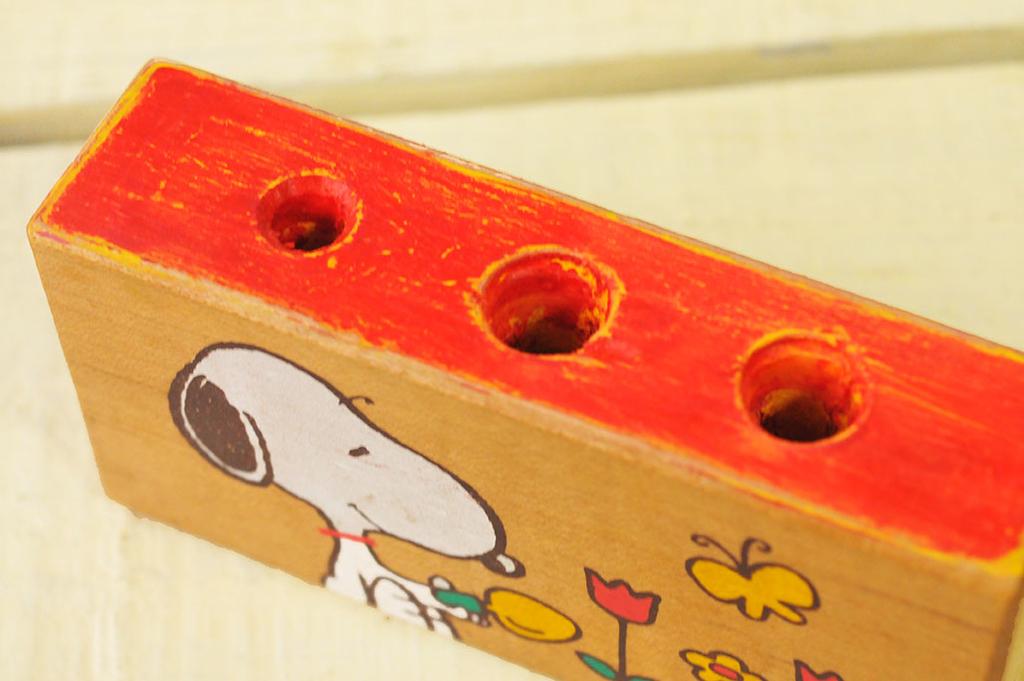 シャビーな色に仕上がった積み木リメイクDIYのペン立て-ふるものせいかつ図鑑