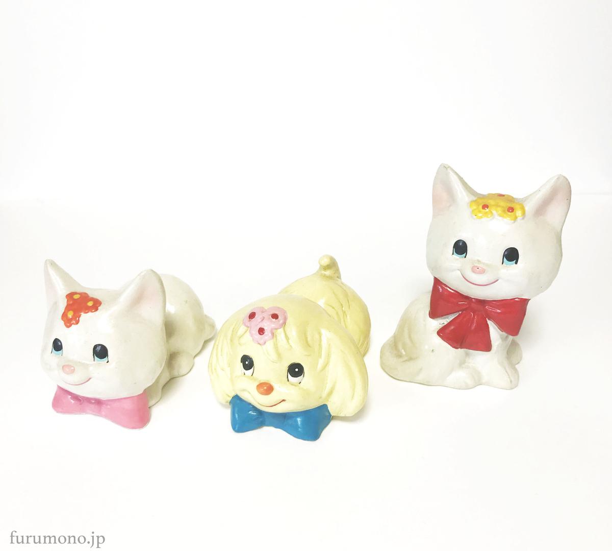 昭和レトロな可愛らしい犬と猫のオブジェ