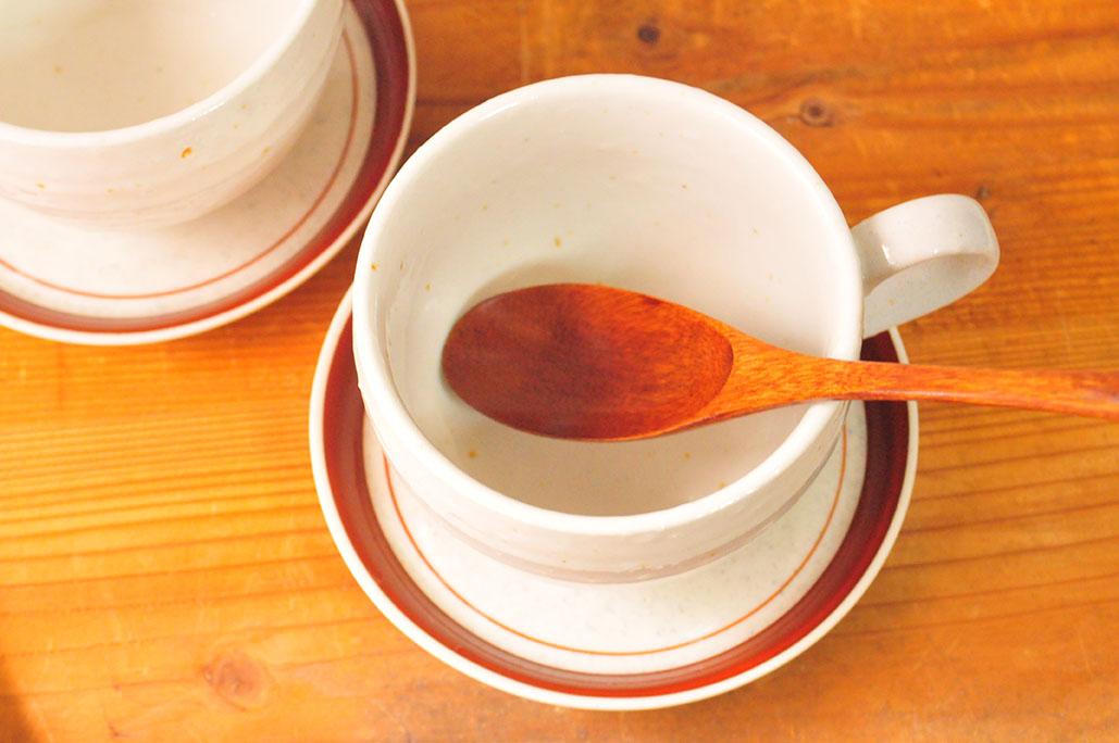 10円のソーサーと50円のシンプルスープカップで暮らす