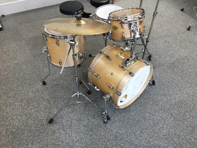 古田のドラムセット
