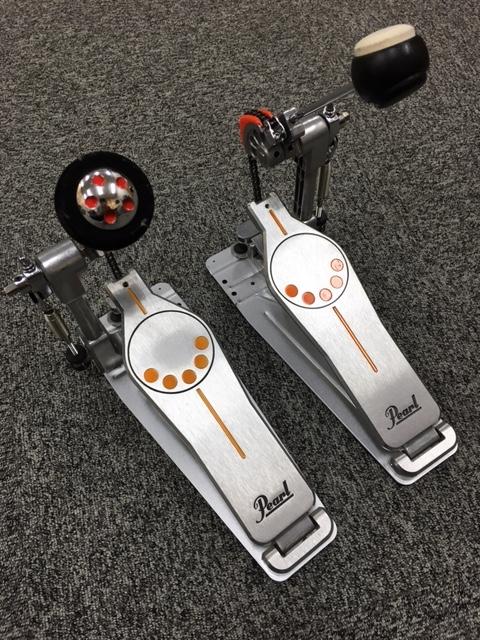 私のP-930(左)とノーマルのP-930(右)