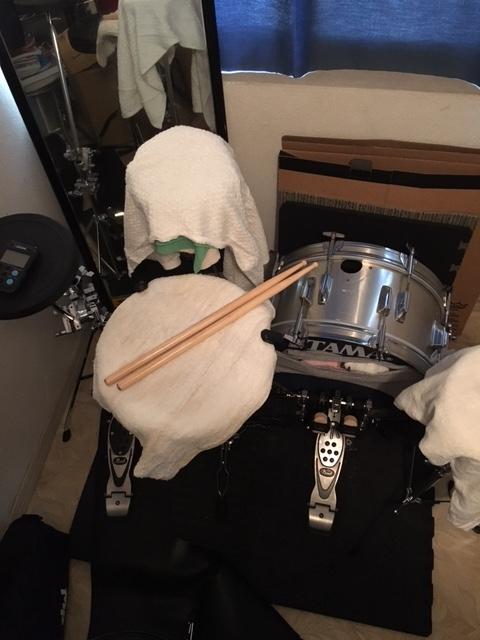 ドラムの練習用セット バスドラムはメッシュヘッドを使用