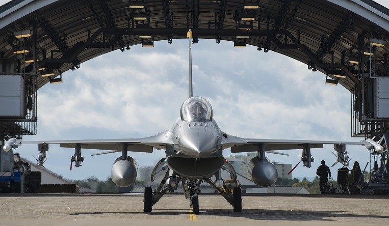 Photo of F-16 by U.S. Air Force Airman 1st Class Sadie Colbert