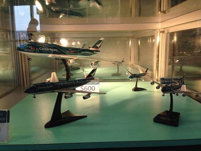 ギフトショップ内で販売されている航空機模型@Cathay City