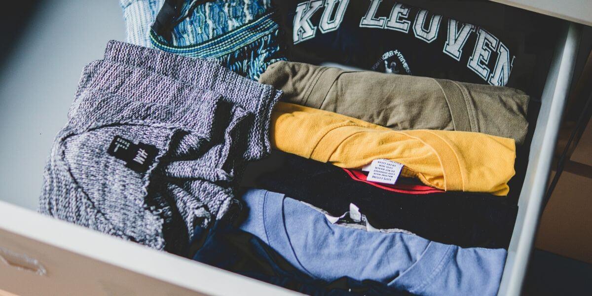 服の出し入れを簡単にするために