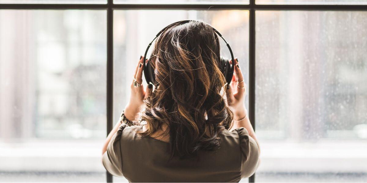 好きな音楽を聴く