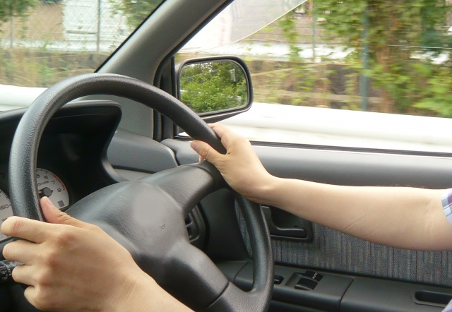 車でチャイルドシートについて語り合う